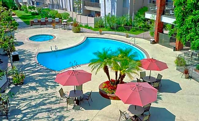 Park Regency Club - Downey, California 90242