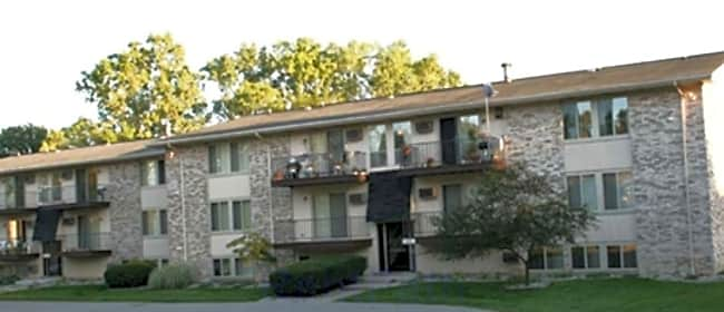 Stone Ridge Meadows Apartments - Lansing, Michigan 48911