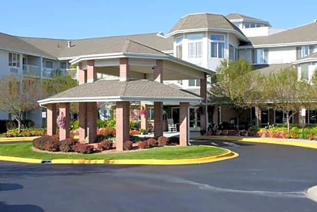 The Inn at Cass Lake Independent Retirement Living - Waterford, Michigan 48328