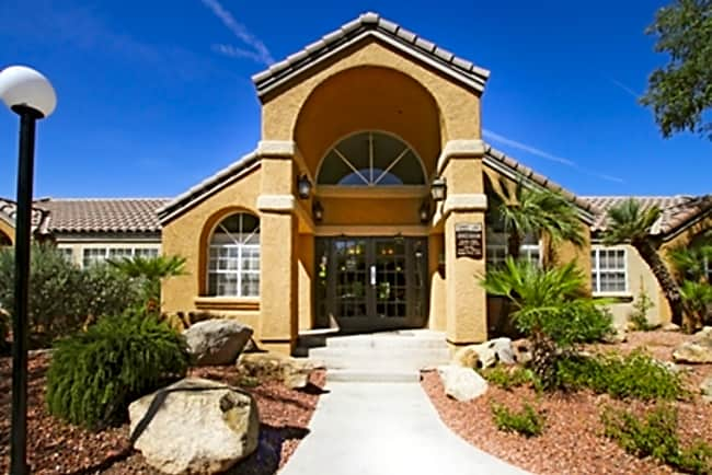 Summit Lake - Chandler, Arizona 85224