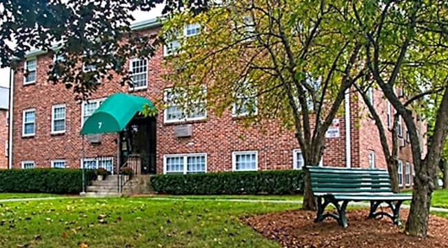 Washington Place Apartments - Methuen, Massachusetts 01844