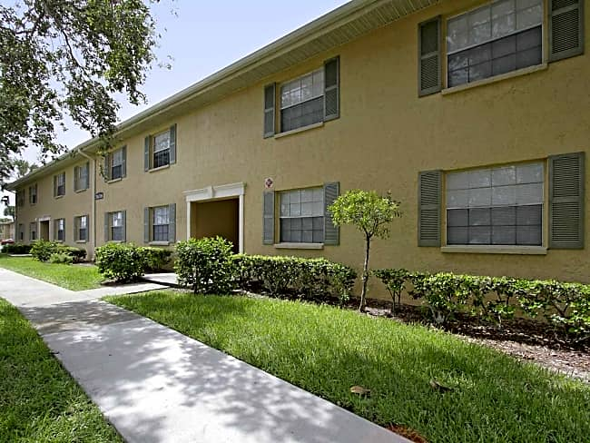 Ridgeview Apartment Homes - Seminole, Florida 33772
