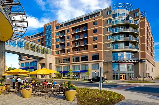 Vantage at Merrifield Town Center - Falls Church, Virginia 22042