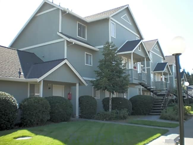 Willow Creek Apartments - Rohnert Park, California 94928