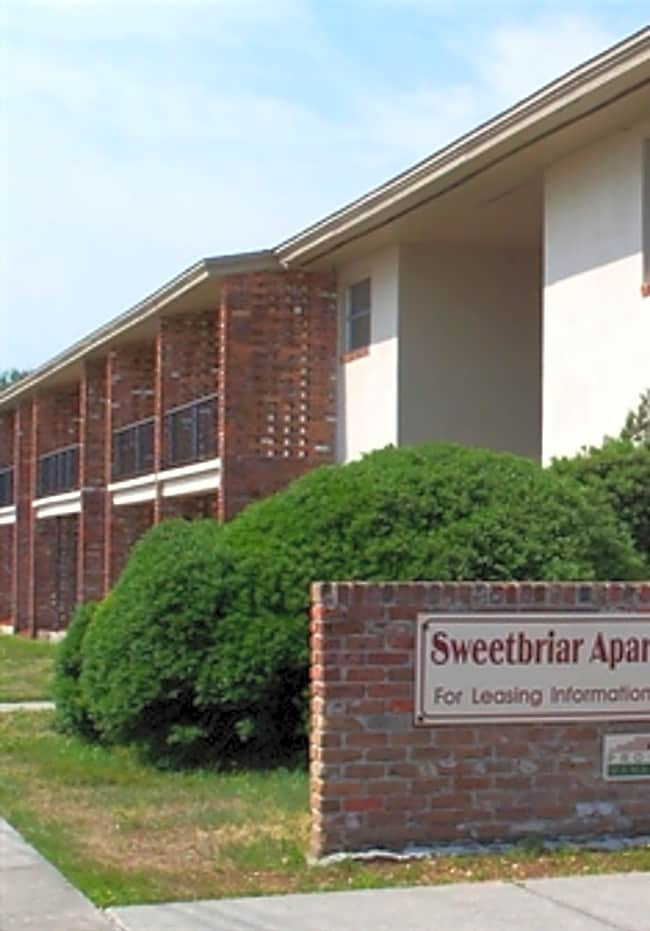 Sweetbriar Apartments - Jacksonville, Florida 32211