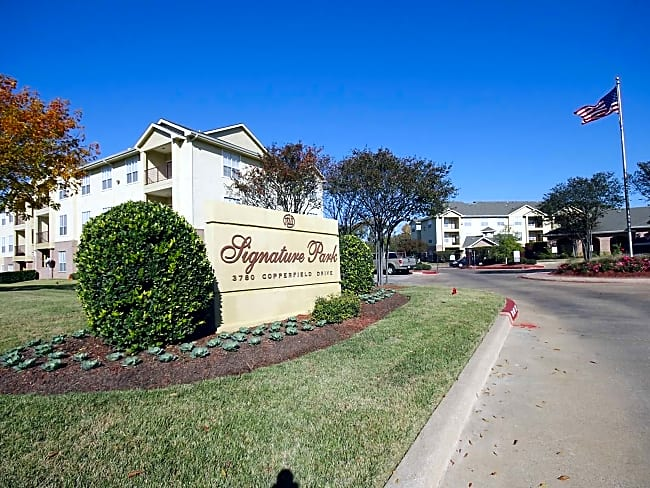 Signature Park Apartment Homes - Bryan, Texas 77802