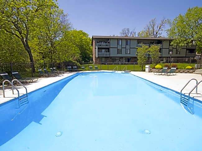 American Colony Apartments - Greenfield, Wisconsin 53221