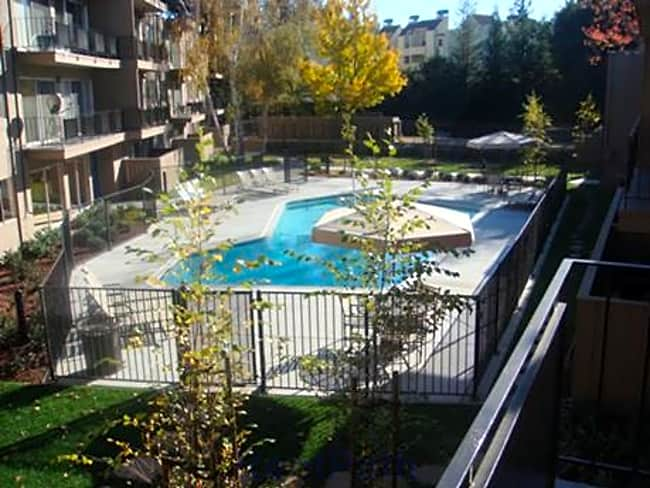 Creekside Glen Apartments - Walnut Creek, California 94596