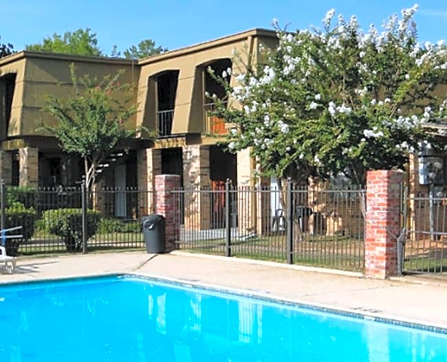 South Pointe Apartments - Shreveport, Louisiana 71108
