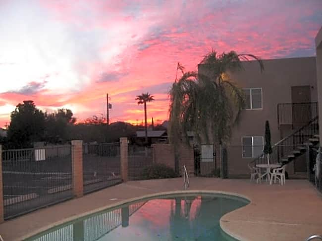 La Paloma Apartments - Tucson, Arizona 85705