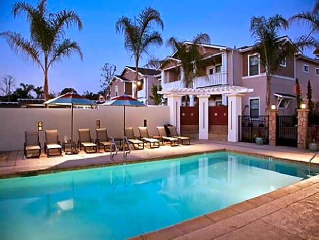 Ralston Courtyards Apartments - Ventura, California 93003
