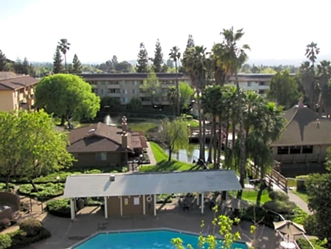 Palm Lake Apartments - Concord, California 94518