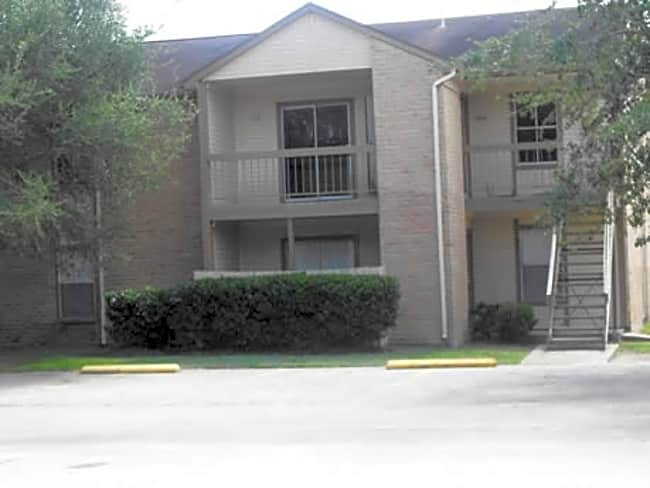 Baybrook Apartments - Bay City, Texas