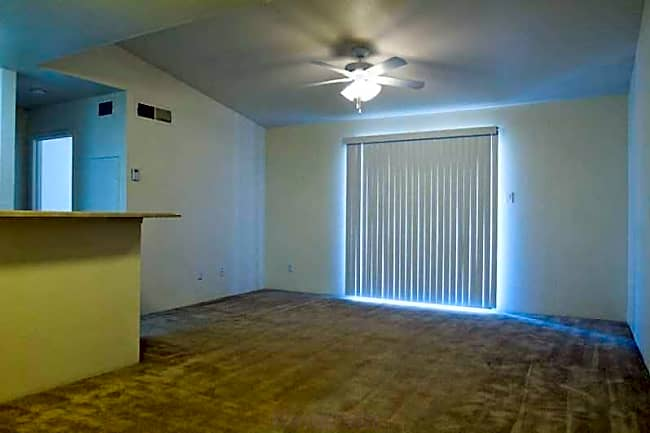 Rolling Brook Apartments - Huntsville, Texas
