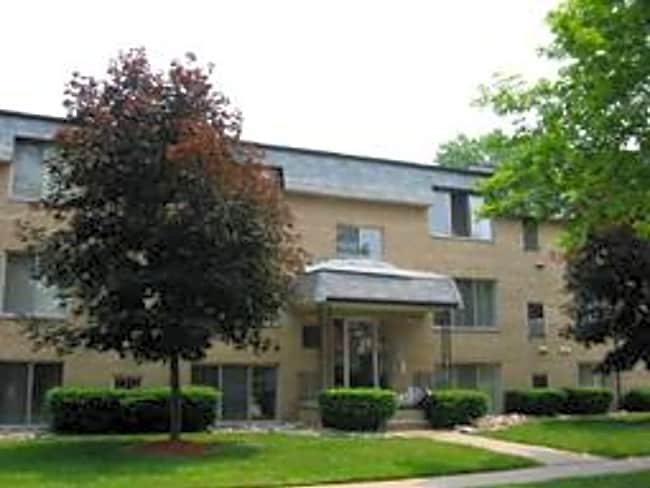 Fernwood Apartments - Ferndale, Michigan 48220