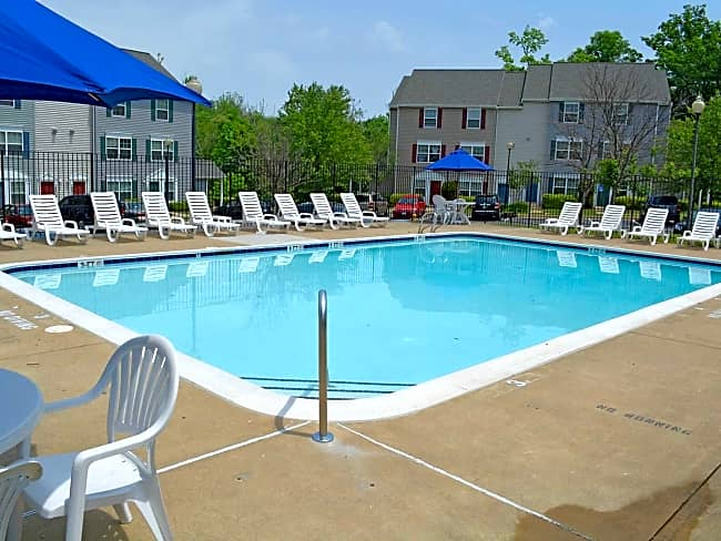 Riverwoods Apartments and Townhomes - Woodbridge, Virginia 22191