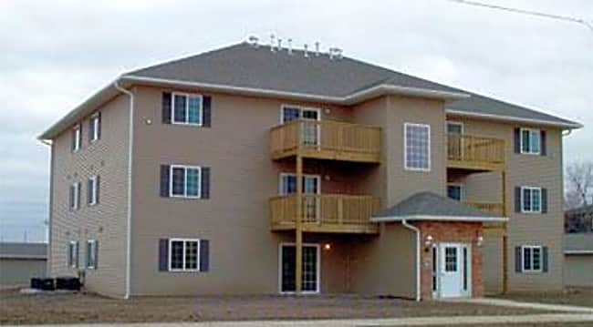 Cottonwood Apartments - Muscatine, Iowa
