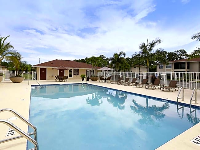 Harbour Pines - Port Saint Lucie, Florida 34952