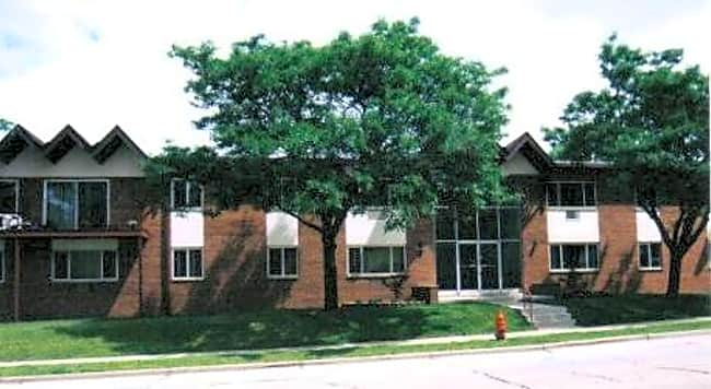 Garden Pool Apartments - West Allis, Wisconsin 53227
