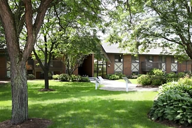 Meadowbrook Village Apartments - Auburn Hills, Michigan 48326