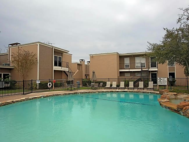 Las Brisas On El Dorado Apartments - Houston, Texas 77062