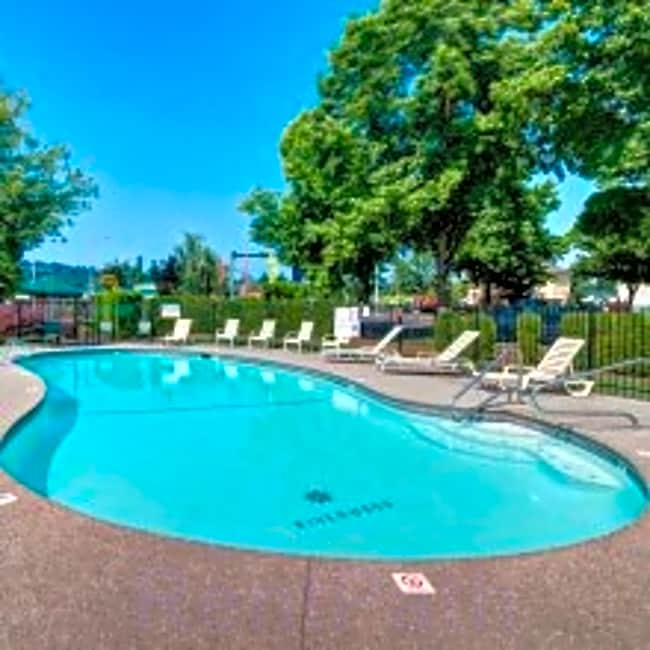 Riverwood Apartments - Kent, Washington 98032
