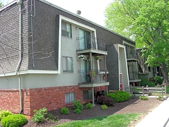 Stoneybrook North Apts - Kansas City, Missouri 64116