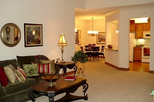 Laurel Terrace Apartments - Golden Valley, Minnesota 55416