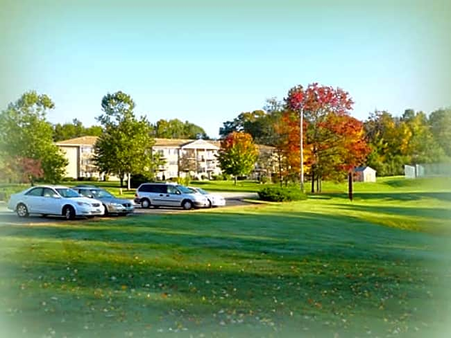 Parkview Hills Condominiums - Manchester, New Hampshire 03103