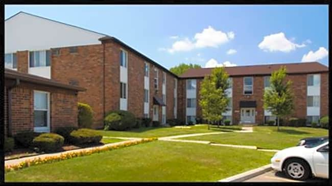Towne Square Apartments - Detroit, Michigan 48235