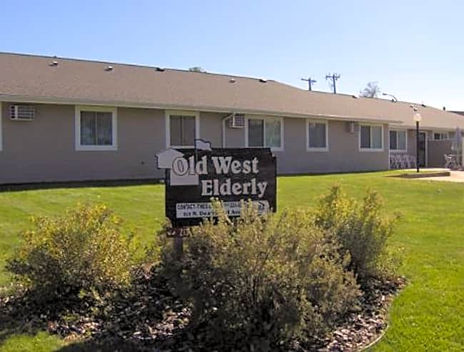 Old West Family Apartments - Fort Pierre, South Dakota
