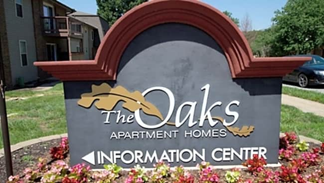 The Oaks Apartments - Lees Summit, Missouri 64081