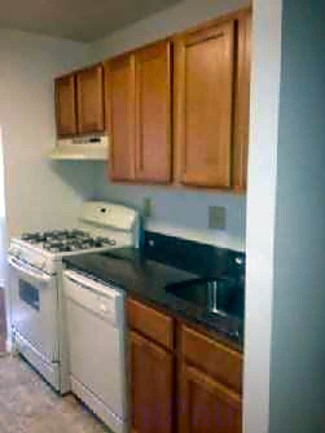 Summit Square Apartments - Lebanon, Pennsylvania 17042