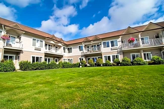 Fernwood at the Park Independent Retirement Living - Normandy Park, Washington 98148