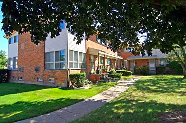 Elmsleigh Apartments - Royal Oak, Michigan 48073