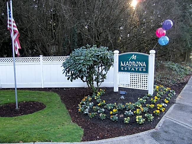 Madrona Estates Townhomes - University Place, Washington 98466