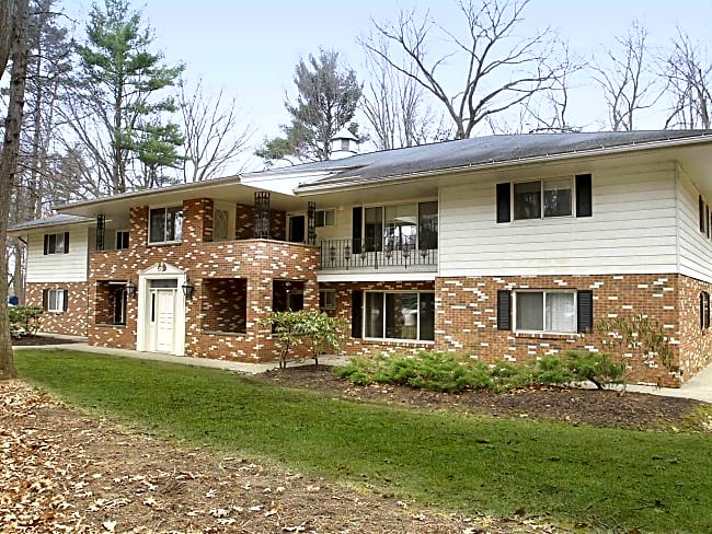 Parkwood Village Apartments - Clifton Park, New York 12065