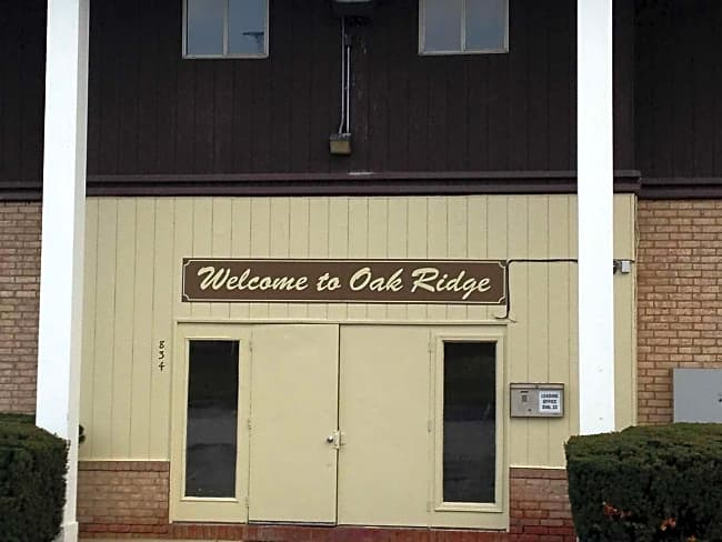 Oak Ridge Apartments - Youngstown, Ohio 44502