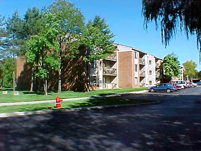 Willow Tree Apartments - Southfield, Michigan 48033