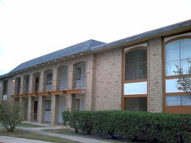 Hacienda Apartments - San Antonio, Texas 78227