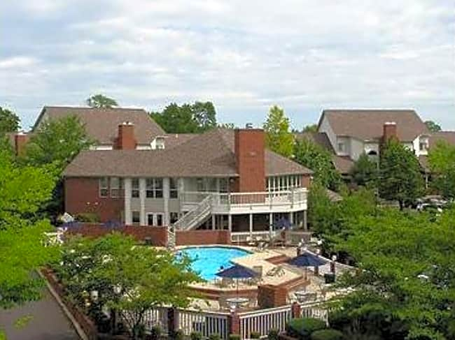 Waterford Downs Apartments - Creve Coeur, Missouri 63146
