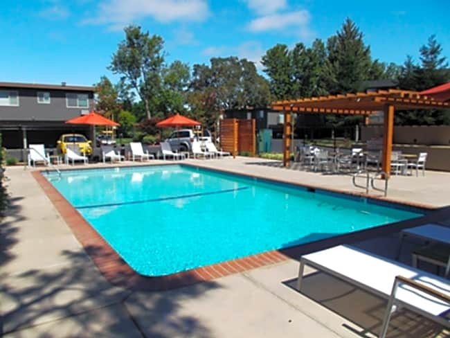 Highland Gardens Apartments - Mountain View, California 94040