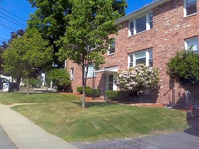 Lincoln Street Apartments - Milford, Massachusetts 01757