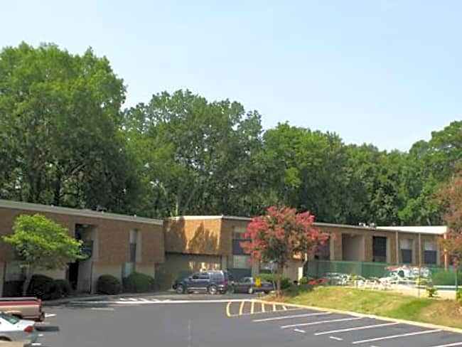 Vestawood Apartments - Vestavia Hills, Alabama 35216
