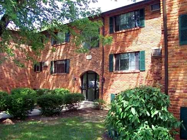 Apartments at Lakewood Park - Milford, Ohio 45150