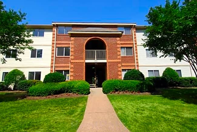 Governor's Pointe Apartments - Chesapeake, Virginia 23320