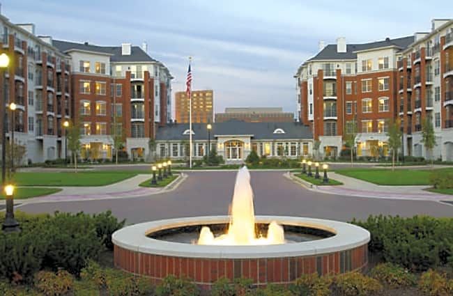 Regency Place Apartments - Oakbrook Terrace, Illinois 60181