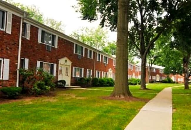 Rutgers Village - Parsippany, New Jersey 07054