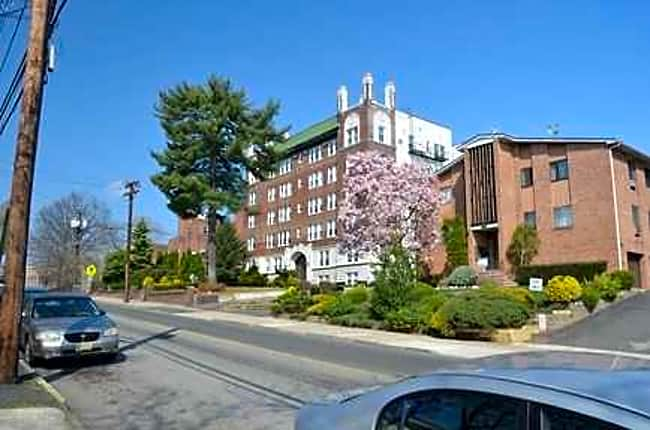 Franklin Towers - Bloomfield, New Jersey 07003