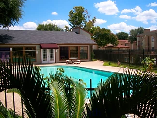 Fallbrook Apartments - Houston, Texas 77038